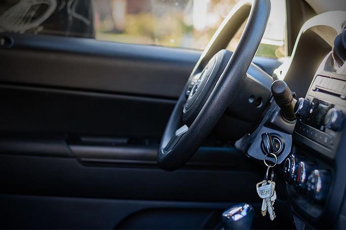 ouverture voiture clé sur contact